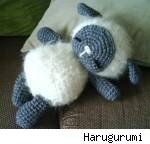 Sleeping baby sheep by Harugurumi. Fair use size.