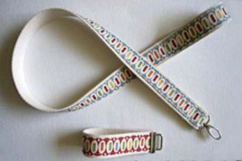 Dog leash and key wristlet decorated with ribbon, Craftster/Chickpea Sewing Studio