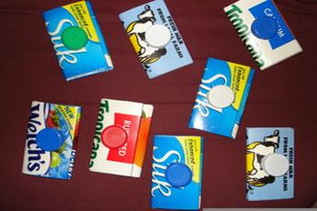 Coin purses made from milk and juice cartons, source: Cut Out and Keep.com.