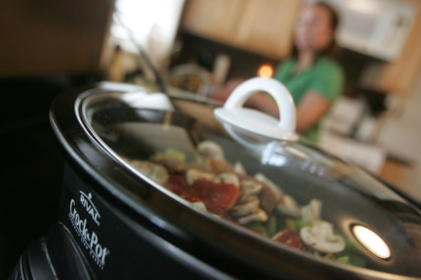 crock pot, slow cooker
