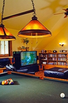 game room, pool table