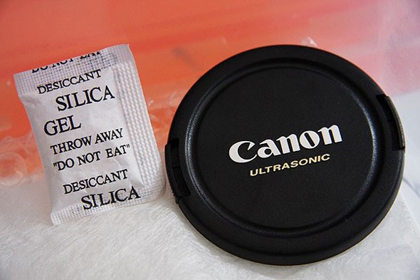 silica and canon lens cap