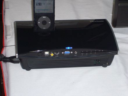 Viewsonic announces pj258d ipod ready projector for Ipod projector