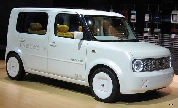 electric cars 2010. Nissan pledges electic car in