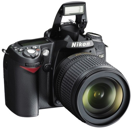 Nikon D90 DSLR review roundup