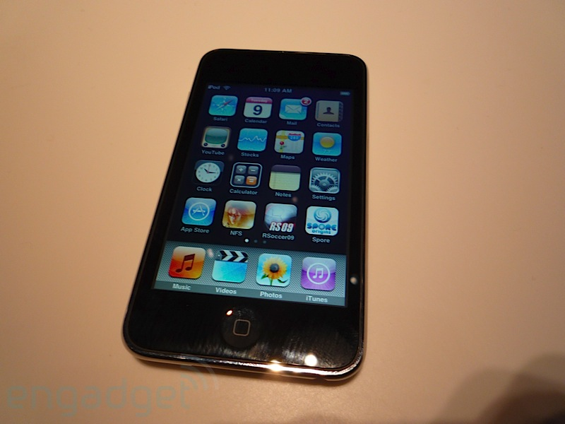 ipod touch 2g first hands on. Black Bedroom Furniture Sets. Home Design Ideas