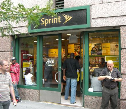 Sprint Records Increase in Revenue for Q1 2010