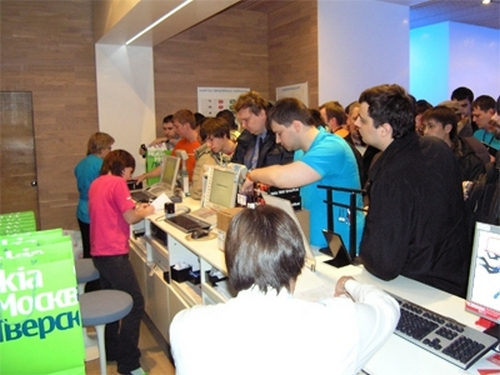 Nokia 5800 XpressMusic launch dubbed 'stunning success;' 120 Russians can't be wrong