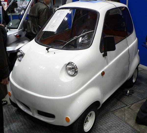 Takeoka Jidosha Kogei's electric minicar gets slightly more macro, even more cute