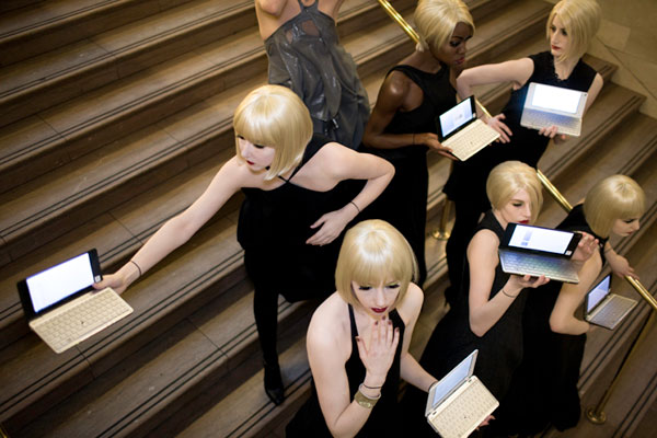 Sony's Stylish Mannequins