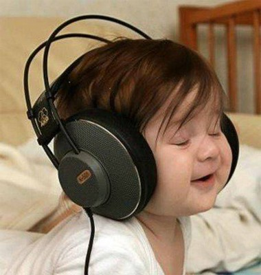 WhIcH SoNg R u LiStEnInG At PrEsEnT ? 3-8-09-baby-headphones