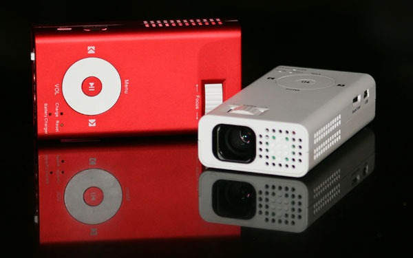 How do i hook up my mac to a projector