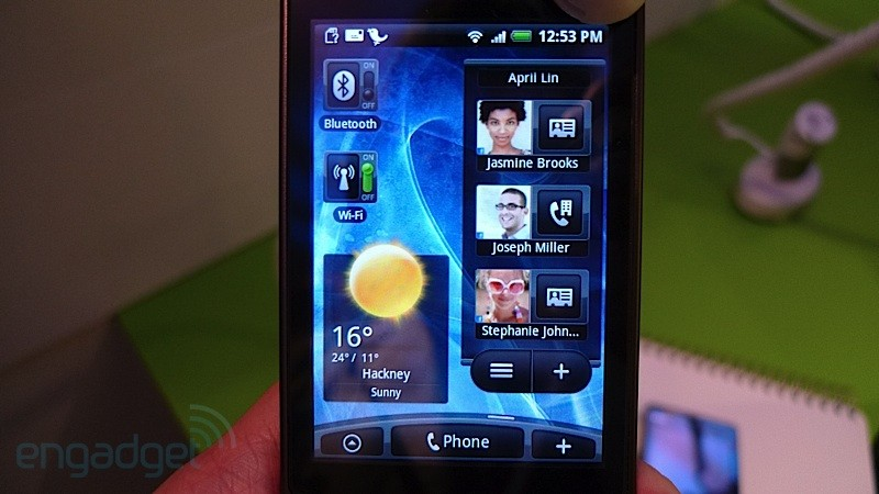 Live photo of HTC Hero (Source:Engadget)
