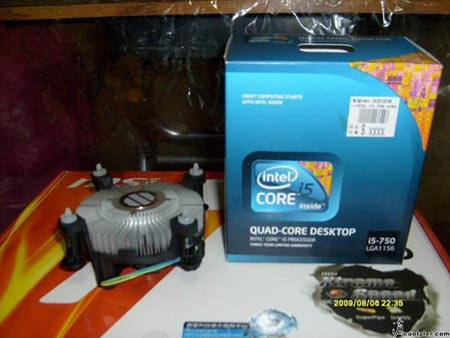 Intel's Core i5 750 spotted in the box, hastily removed and photographed