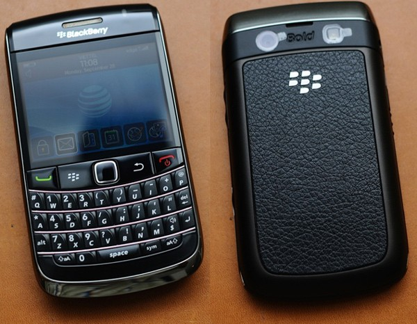 BlackBerry Bold 9700 on Vietnam holiday from AT&T