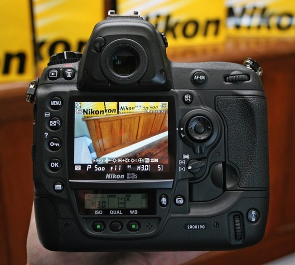 Nikon's D3S officially announced, previewed extensively