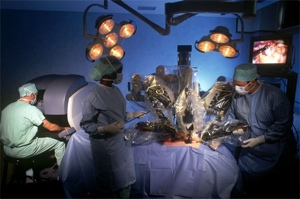 University of Washington students hack Kinect to aid in robotic surgery