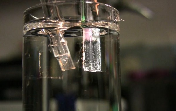 Artificial photosynthesis could power your house, even if it's not green (video)