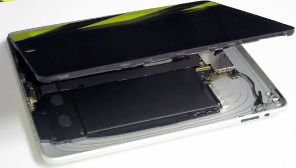 iPad taken apart then re-assembled in under four minutes, Harryhausen-style (video)