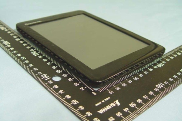 Pandigital Novel e-reader / handheld hits the FCC