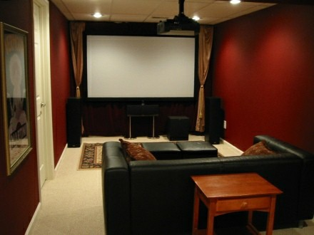 When setting up a surround system is it best that i face for Home theater setup ideas