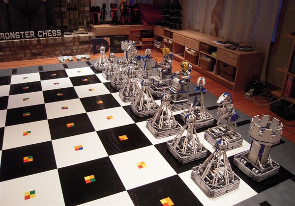 Monster Chess [Source credit Team Hassenplug]