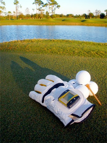 Sensor-laden SensoGlove: Play Golf Like a Pro