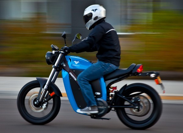 Brammo introduces the Enertia Plus electric motorcycle, doubles the range of its predecessor