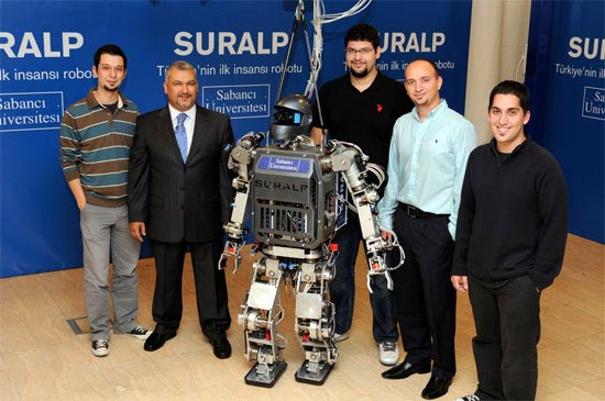 Turkey's humanoid SURALP robot gets a shaky, shambling coming out party (video)