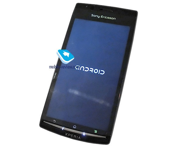 Sony Ericsson's 4.3-inch Anzu previewed: ain't got no Gingerbread, but still looking tasty