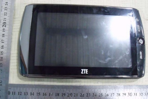 ZTE's AD8000 Android MID gets sized up at the FCC, with full specs in tow