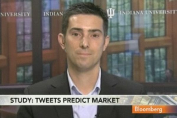 101223 twitter 01 Hedge fund using Twitter to predict stock prices, OK Cupid to meet girls