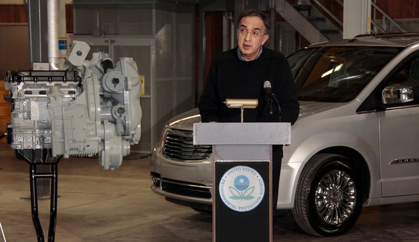 Chrysler announces battery-free hybrid technology, compresses gas to make power