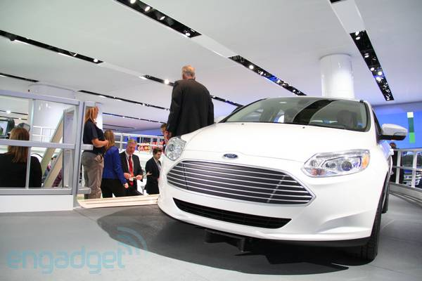 Ford takes us on the world's shortest test drive in the Focus Electric (video)