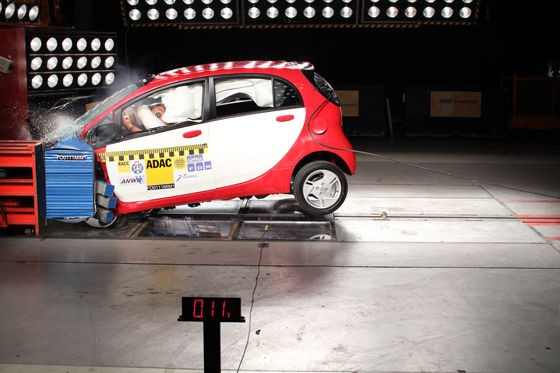 ADAC crash tests first production Mitsubishi i-MiEV, makes a mess but scores well