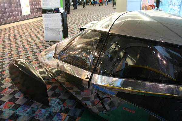 A tour around the X-Prize winning Edison2 Very Light Car (video)