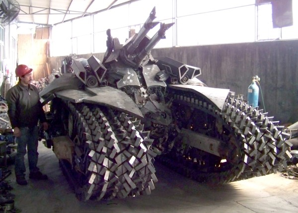 Chinese designer makes Megatron tank a steel-toothed reality