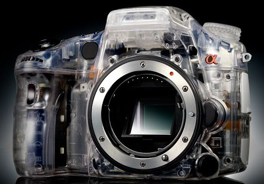 Sony indicates all future Sony Alpha models will include translucenct mirrors