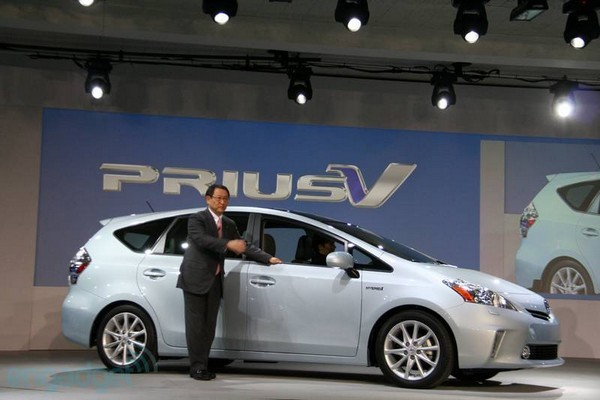 American Prius V to get old-school batteries, Japanese version to get fancy Li-ion ones