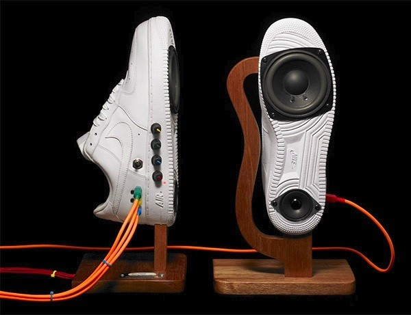 sneaker-speakers-03-02-2011.jpg