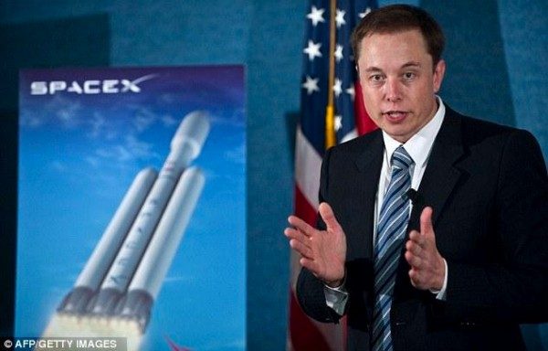 Elon Musk says SpaceX will send a man to space in three years, Mars within the next two decades