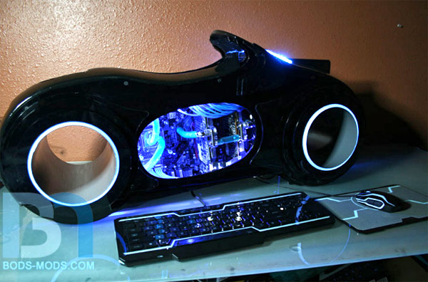 http://www.blogcdn.com/www.engadget.com/media/2011/05/2011-05-18-troncase.jpg