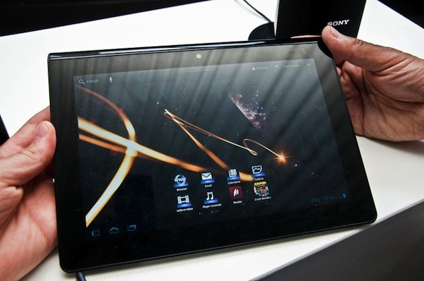 http://www.engadget.com/2011/07/05/sonys-s1-and-s2-tablets-pose-for-the-cameras-again-show-off-mo/