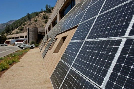 Solar panels light up Yosemite National Park, don't spoil your view 