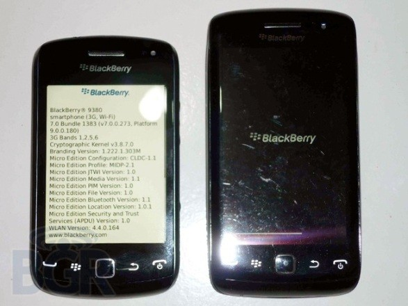 BlackBerry Curve Touch 9380 'Orlando' poses for the masses, invites you to look… but not touch