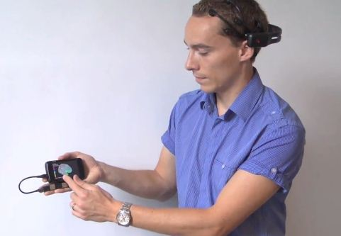 Smartphone brain scanner