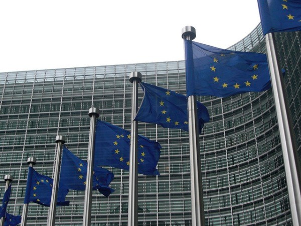 European Commission investigating 13 companies for optical drive price-fixing