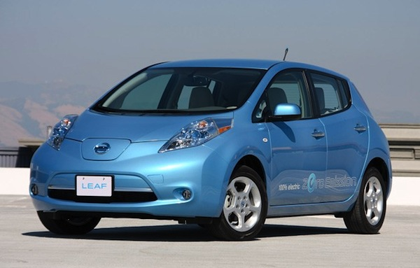 nissanleaf Nissan sells more than 20,000 Leafs in first year; Fiat, Not So Much