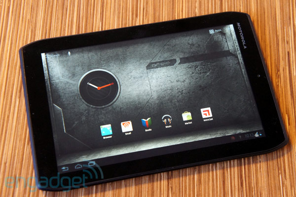 Motorola Droid Xyboard 8.2 review home screen