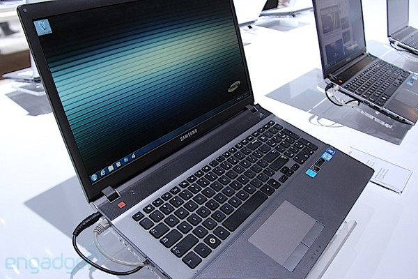 Samsung outs new Series 5 550P notebook in the UK, Ivy Bridge and numeric keypad onboard